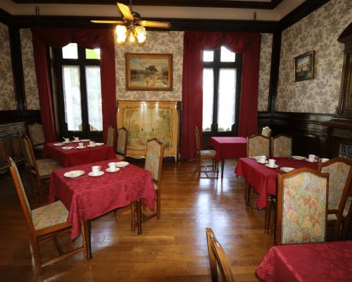 Salle petit dejeuner - Domaine Champ de Rose